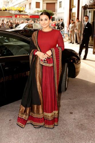 Vidya Balan, a jury member at Cannes this year, is wearing a Sabyasachi lehenga. - Source: http://static.indianexpress.com/pic/uploadedImages/bigImages/B_Id_385662_vidya-balan.jpg