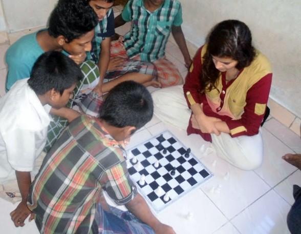 addicts, exploring bangladesh, saeeda zaman
